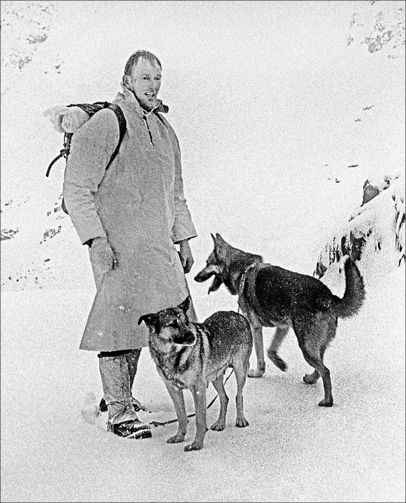 Hamish MacInnes. Inaugural Search & Rescue Dog Course, Glencoe, December1965. Photographed on assignment for the Illustrated london News magazine. ref: 1691/N/23 © John Cleare
