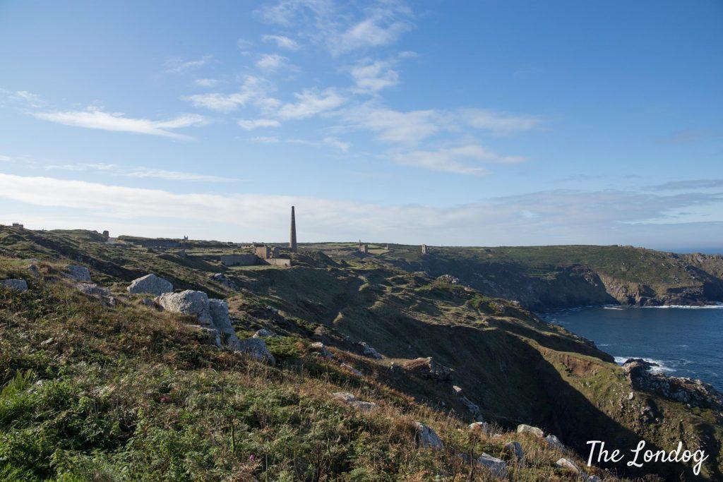 Dog-friendly walk in West Cornwall on a sunny day